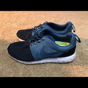Nike ROSHE Runs Blue and Black Nike ID